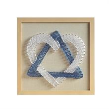 Hình ảnh của Tranh Tam giác và tim 30 x 30 cm