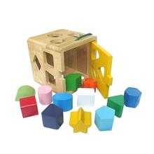Hình ảnh của Đồ chơi gỗ Winwintoys - Giỏ thả 12 khối - 62022